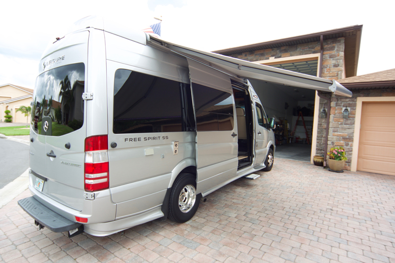 2015 Leisure Travel FREE SPIRIT SS in Dade City, FL