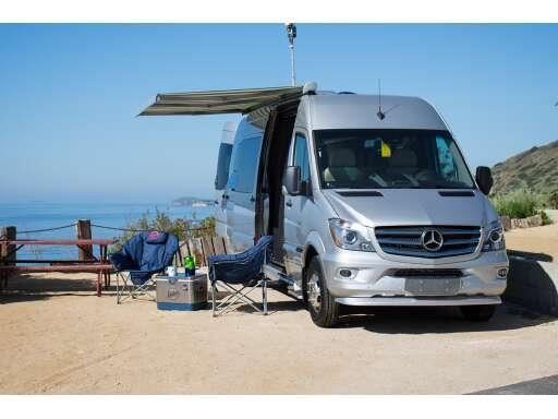 2016 Mercedes Benz INTERSTATE GRAND TOUR In Athens TX