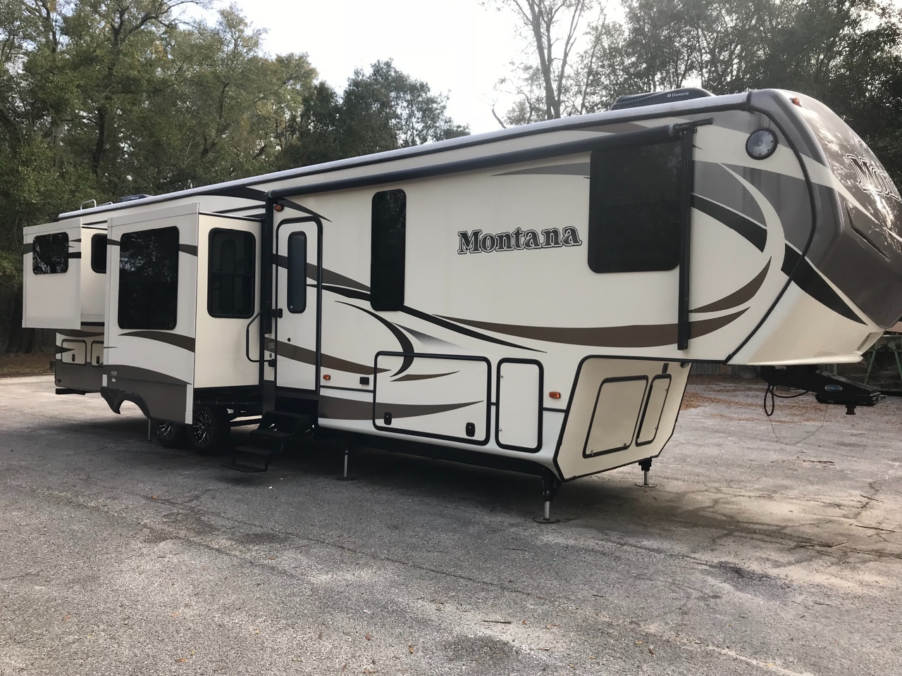Sunline MONTANA RVs For Sale: 1,663 RVs - RV Trader on camper accessories, camper battery box, camper wiring cable, camper seats, camper door handle, camper mirrors, camper water pump, camper strut, camper taillight wiring, camper antenna, camper transformer, camper cover,