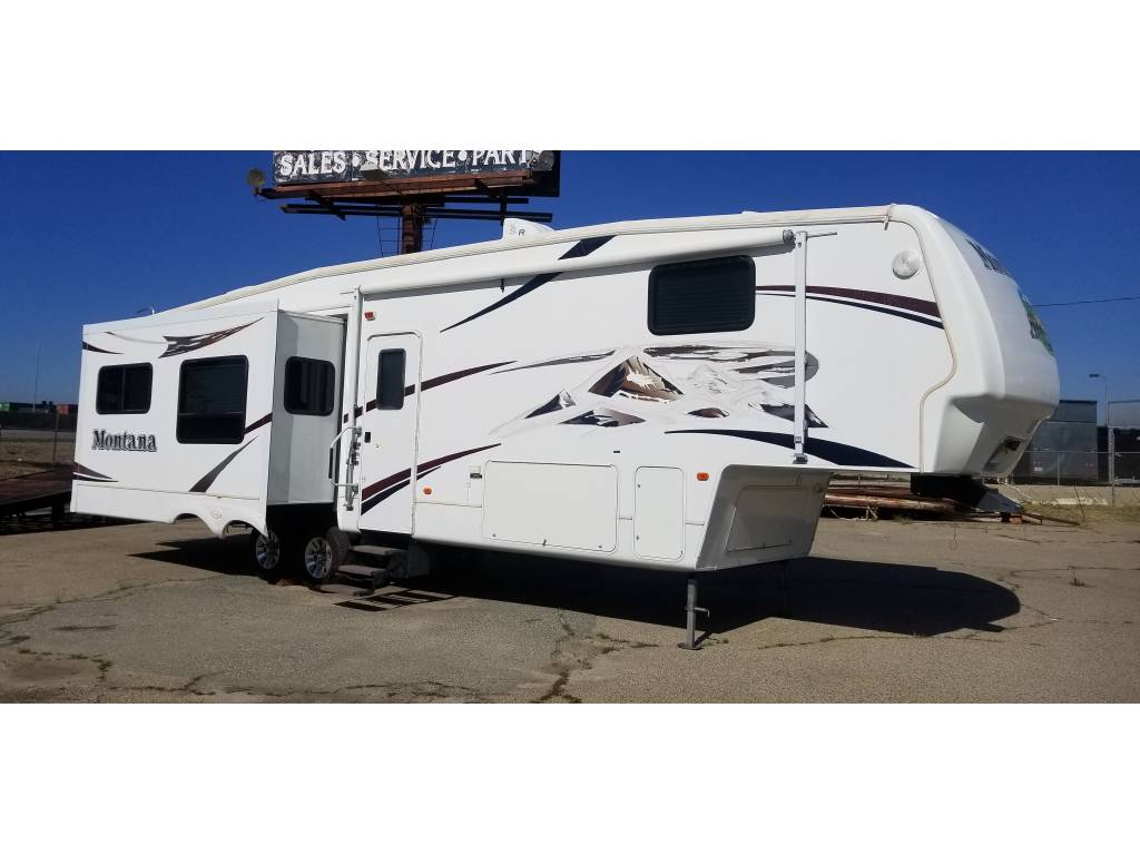 2007 Keystone Montana 3400RL For Sale in Beaumont, CA