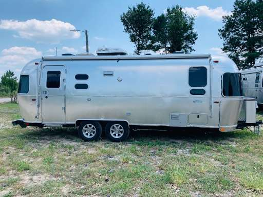 Flying Cloud 25FB Twin For Sale - Airstream Travel Trailers