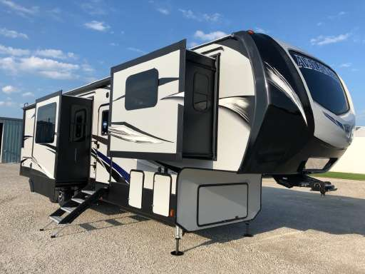 What Is A Fifth Wheel >> Illinois Fifth Wheels For Sale Rv Trader