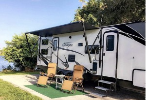 Immaculate 2018 Grand Design Imagine 2800BH Sleeps 5 (One Way Available)-0