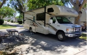 FREEDOM ELITE • BEAUTIFUL MID SIZE RV FOR 6-7 GUESTS • SOLAR POWER SYSTEM – FREE DELIVERY TO CAMPLAND ON THE BAY-0