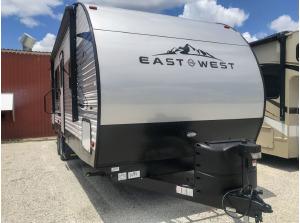 2020 East to West, INC. Della Terra 250BH-0