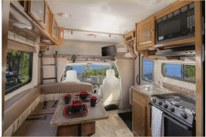 Small Class C Motorhome For Your Next Trip! Ferndale-0