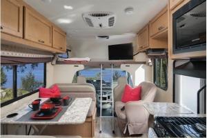 Medium Class C Rental For Your Next Trip! Van Nuys-0