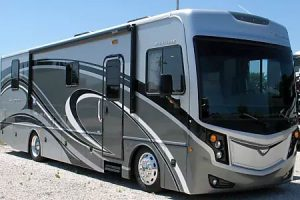 33' Fleetwood Excursion Diesel with 1 Slide-Out (38)-0
